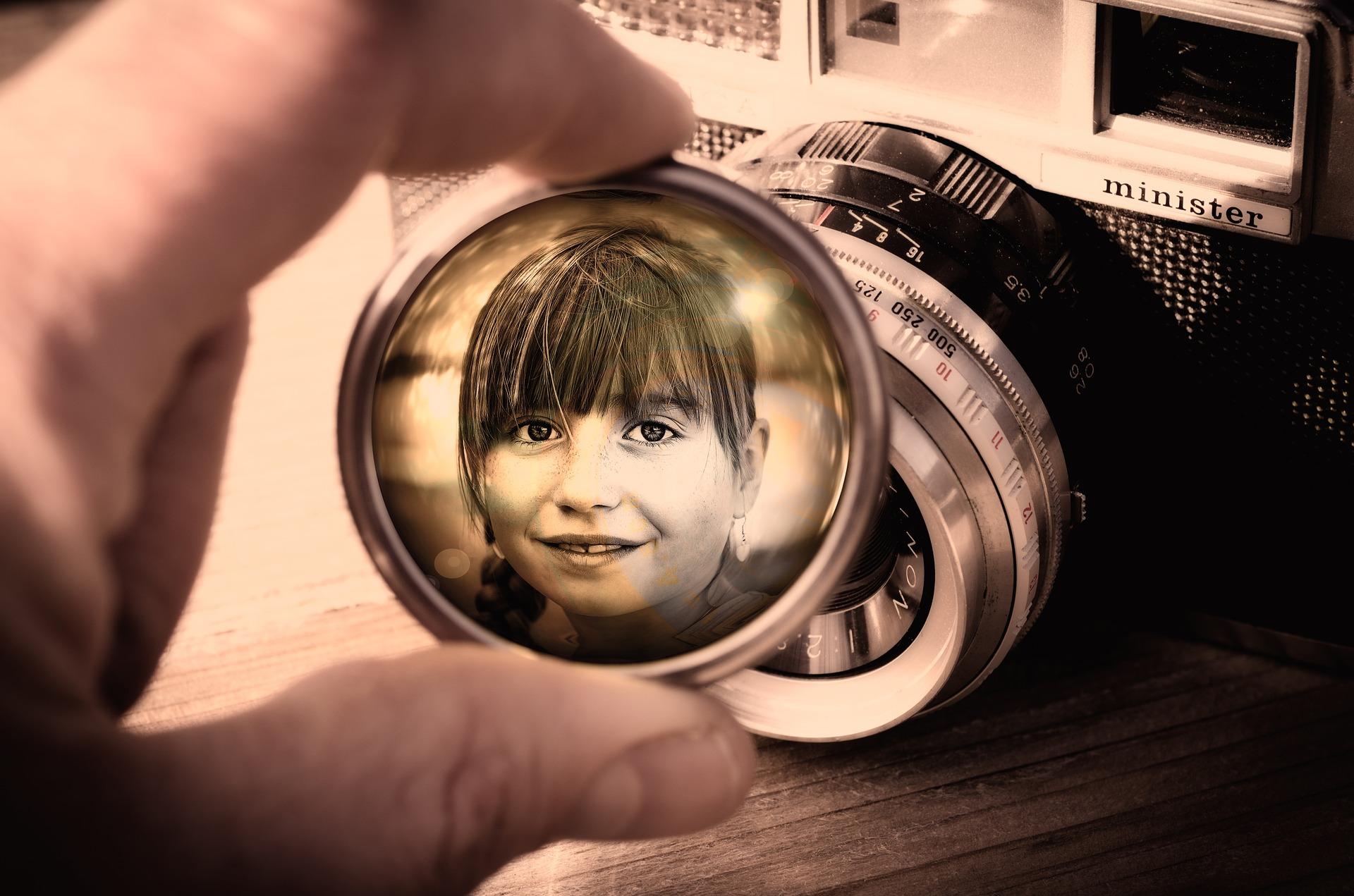 L'enfant dans l'oeil de la caméra