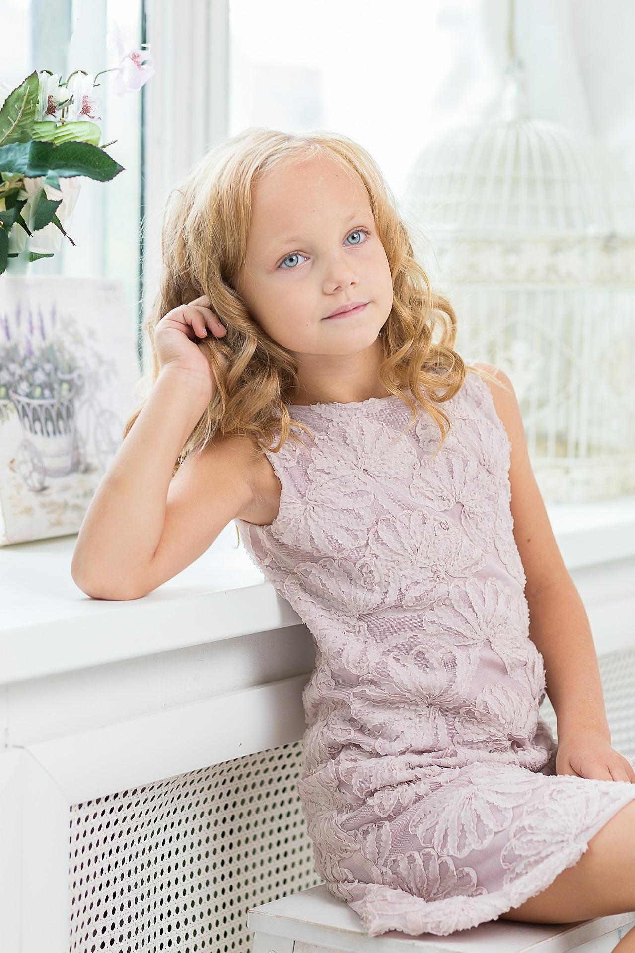 jeune fille comédienne